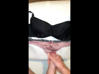 jizzing Stranger jizzing all over my gfs undiplomatic bra and knickers stranger